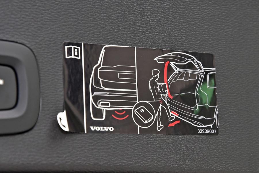 2020 Volvo XC40 XZ T5 R-Design Suv Mobile Image 22