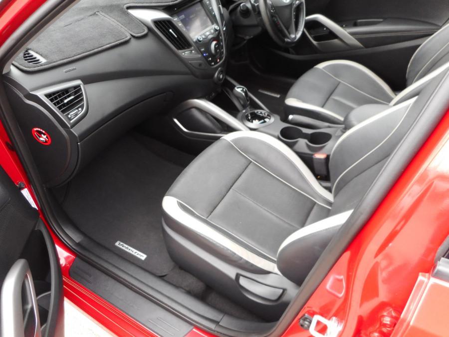 2014 Hyundai Veloster FS3 SR Turbo Hatchback Image 11