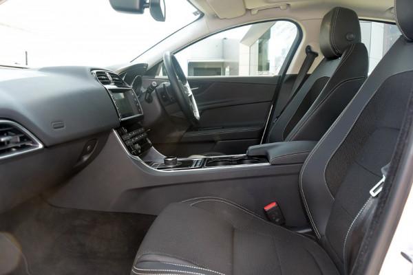2016 MY17 Jaguar Xe X760 MY17 20d Sedan Image 3