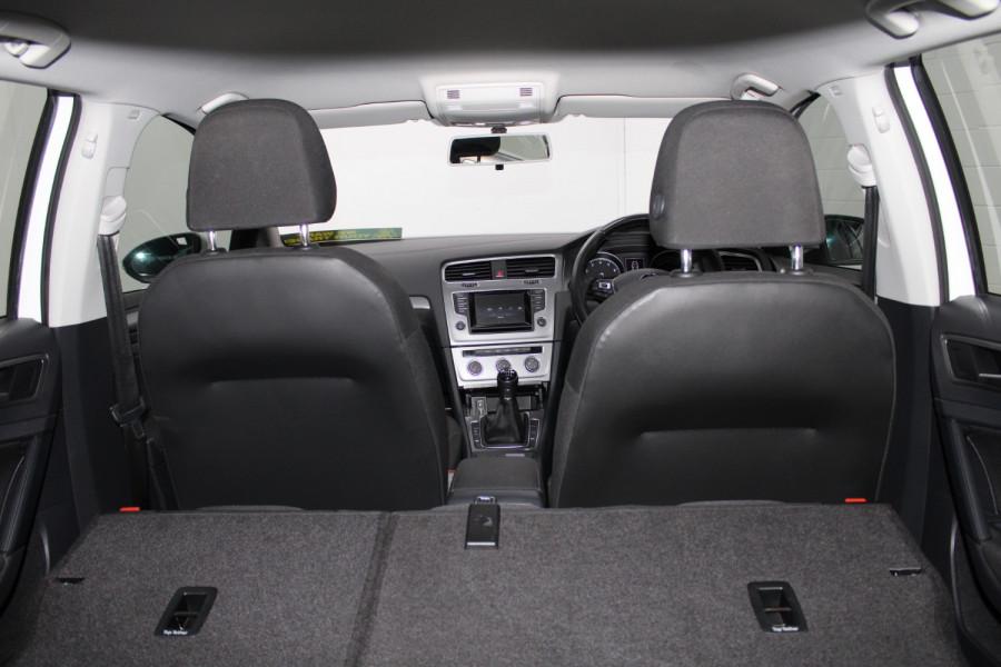 2015 Volkswagen Golf VII  90TSI Hatchback Image 21