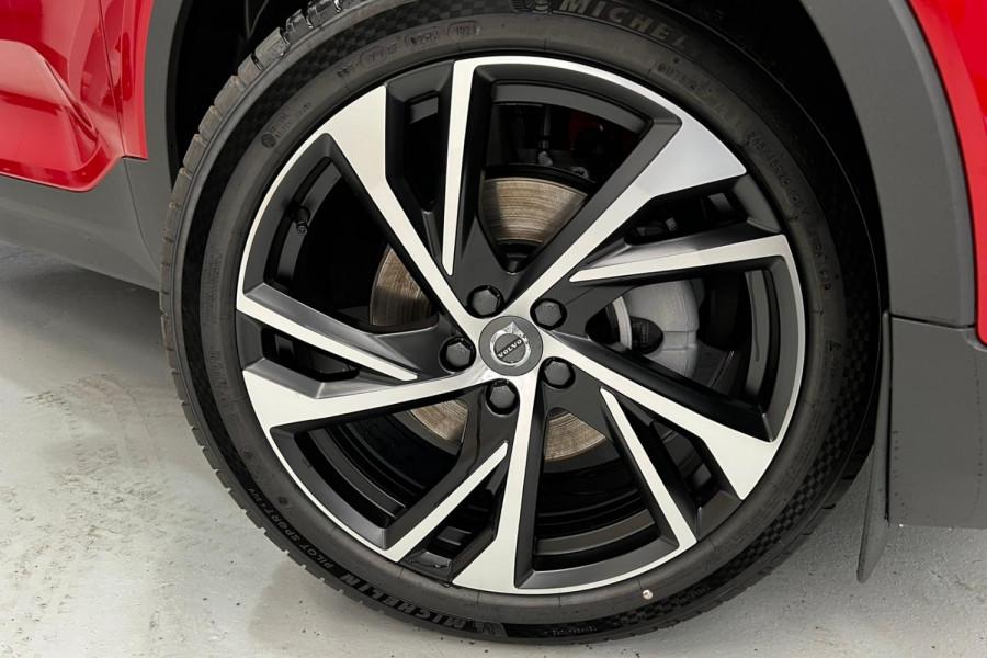 2022 Volvo XC40 T5 R-Design