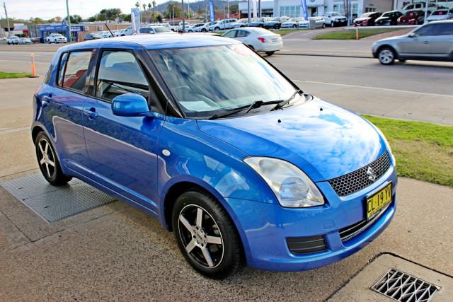 2010 Suzuki Swift RS415 Hatchback Image 4