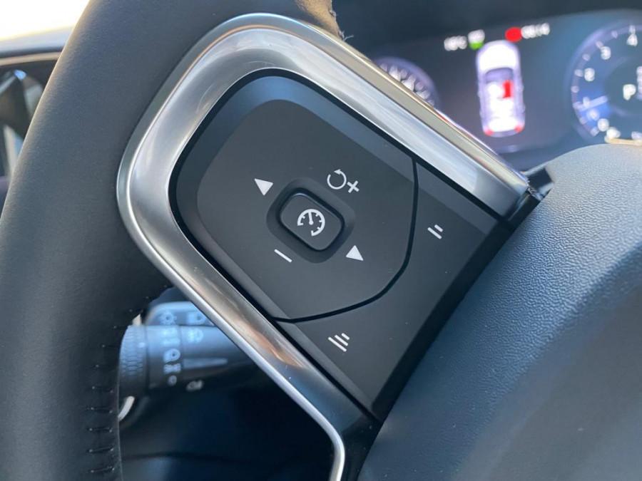 2021 Volvo XC40 XZ T4 Momentum Suv Image 13
