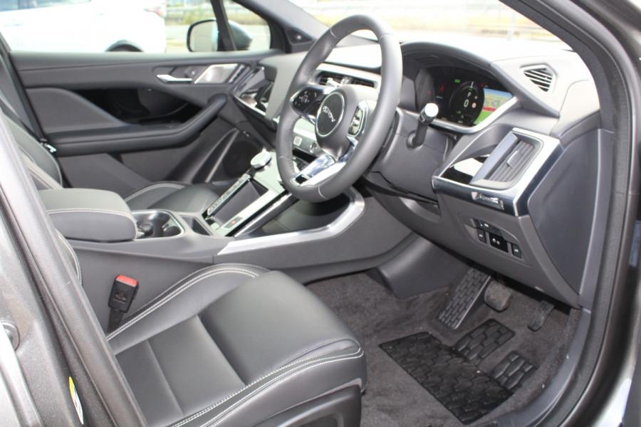 2009 MY20 Jaguar I-PACE X590 SE Hatchback Image 11