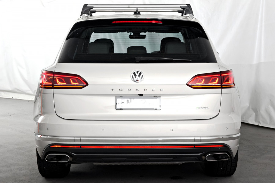 2020 Volkswagen Touareg Adventure
