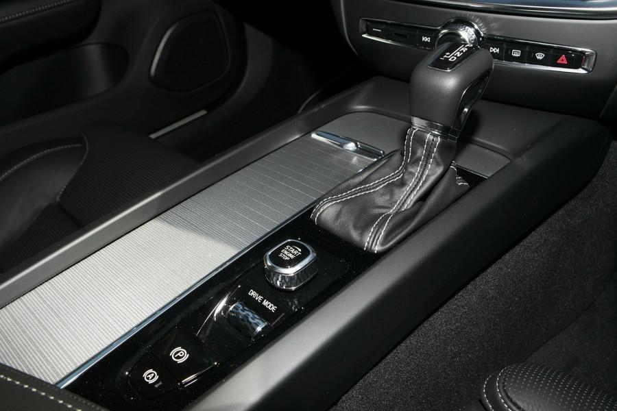 2019 MY20 Volvo V60 T5 R-Design T5 R-Design Wagon Mobile Image 12