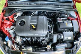 2017 Hyundai Elantra AD Elite Sedan Image 3