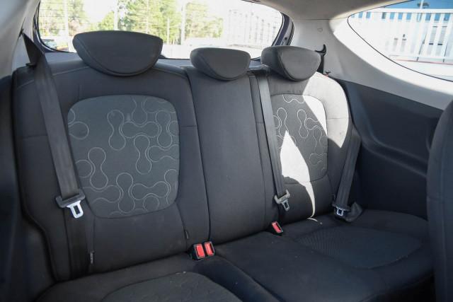2012 Hyundai I20 PB MY12 Active Hatchback Image 12