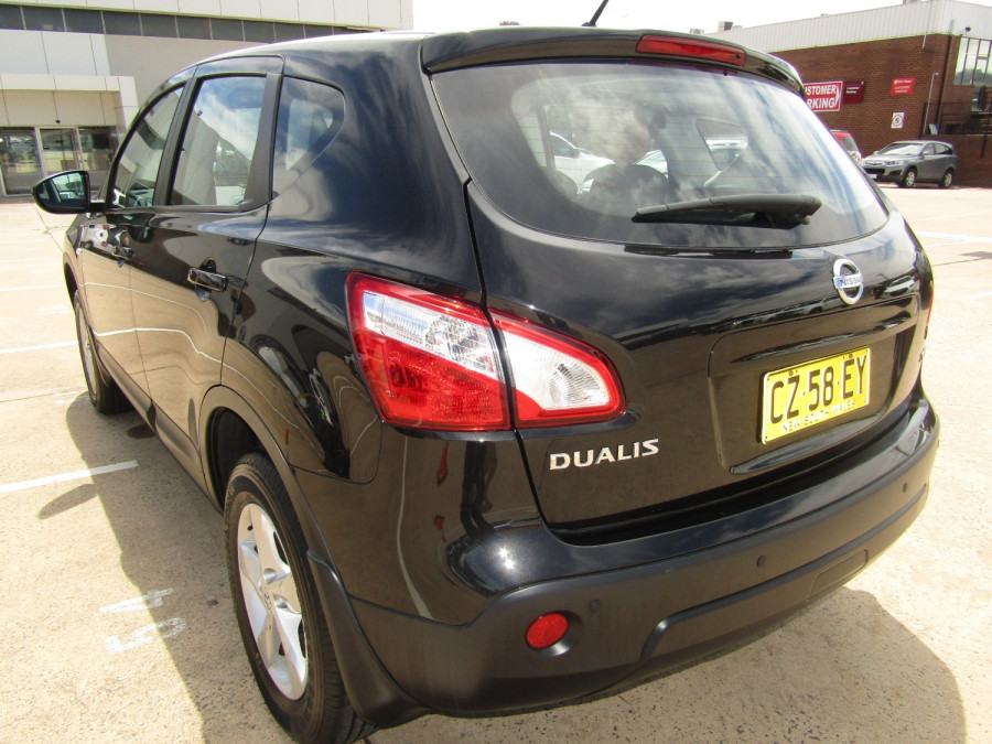 2011 MY10 Nissan DUALIS Hatchback Image 5