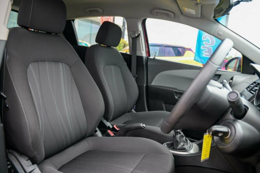 2014 Holden Barina TM MY14 CD Hatchback Image 12