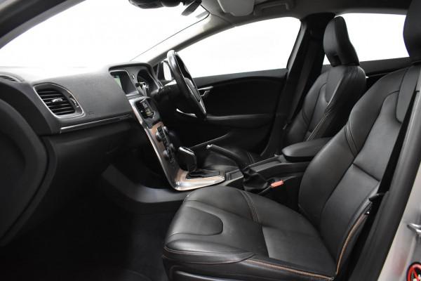 2014 Volvo V40 Cross Country (No Series) MY14 D4 Luxury Hatchback