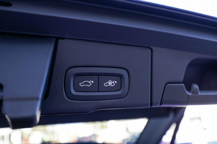 2020 Volvo XC60 UZ T6 R-Design Suv Image 21