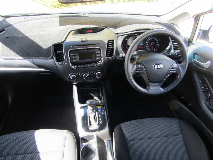 2018 Kia Cerato YD S Hatchback Image 17