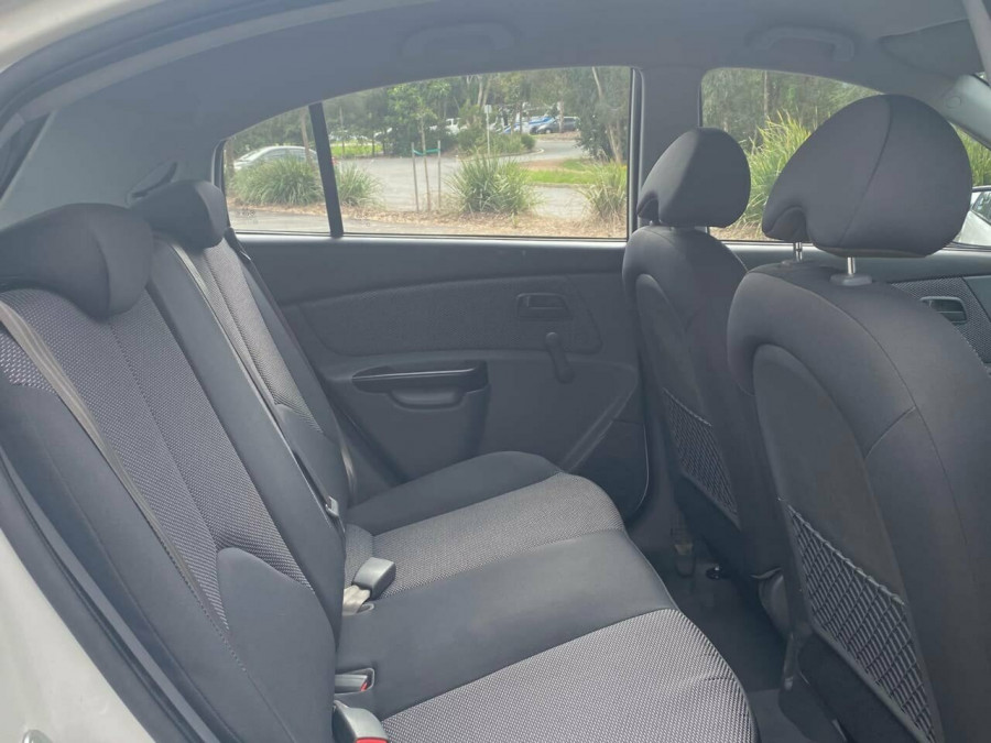 2011 Kia Rio JB MY11 S Hatchback Image 10