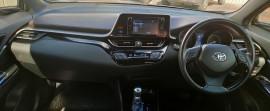 2017 Toyota C-hr NGX50R Koba Suv image 13