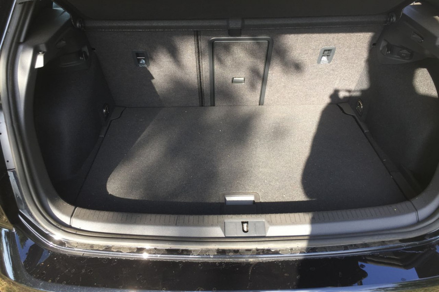 2019 Volkswagen Golf 7.5 GTi Hatchback Image 16