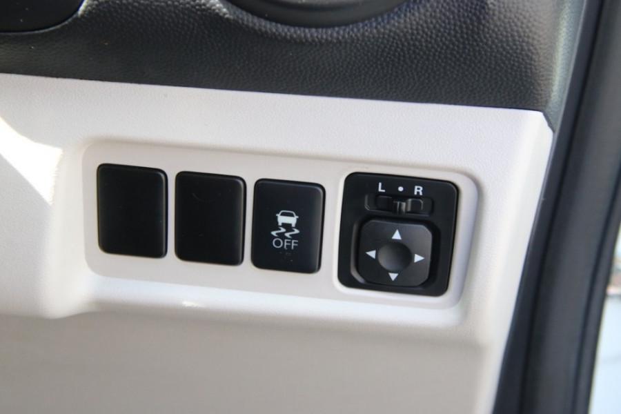 2013 MY14 Mitsubishi Mirage LA ES Hatchback Image 12