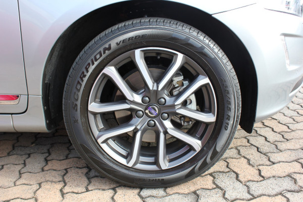 2016 Volvo XC60 DZ MY16 D4 Suv Image 5