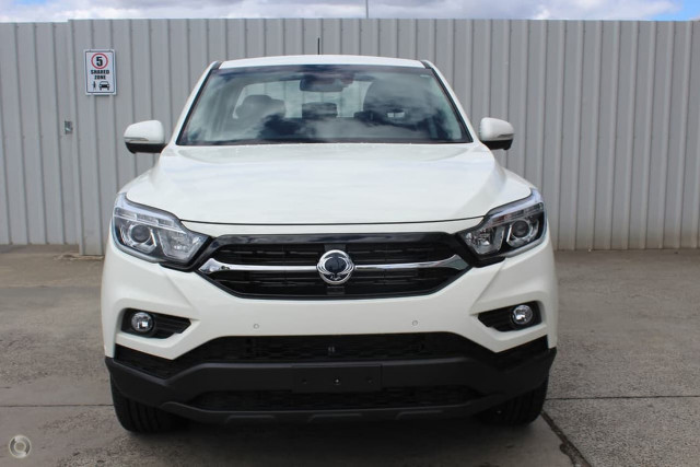 2020 SsangYong Musso Ultimate 4 of 25