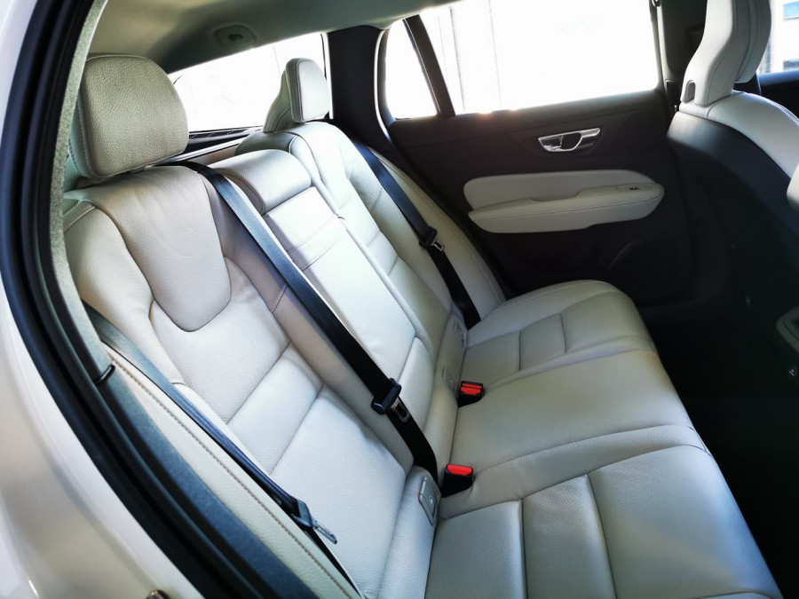 2019 Volvo V60 (No Series) MY20 T5 Momentum Wagon Image 15