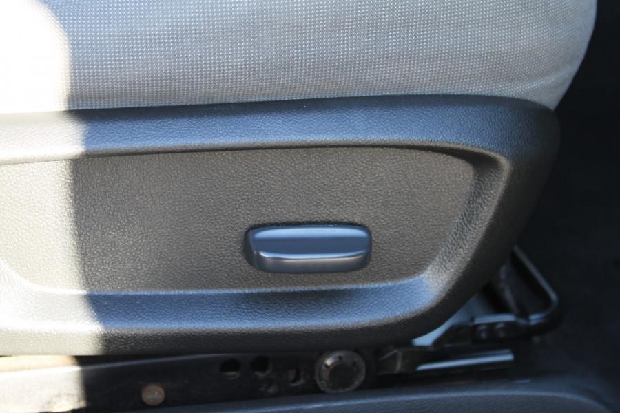 2012 Holden Commodore VE II MY12 Omega Sedan Image 14