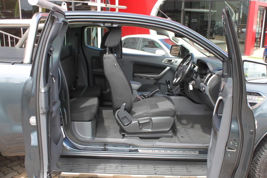 2015 Ford Ranger PX MkII XLT Image 9