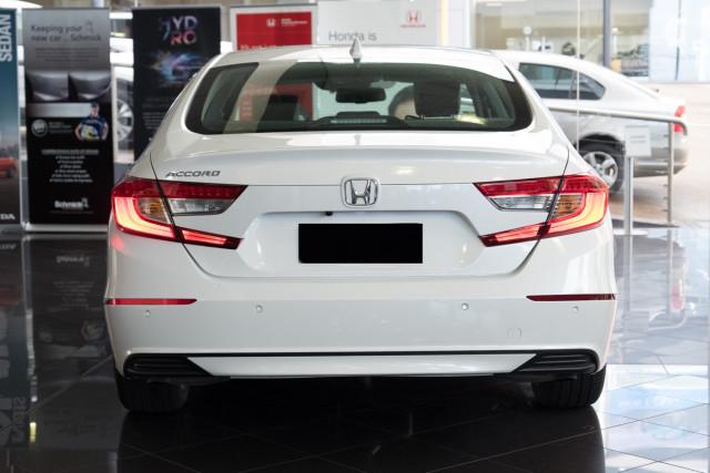 2019 Honda Accord 10th Gen VTI-LX Sedan Image 5
