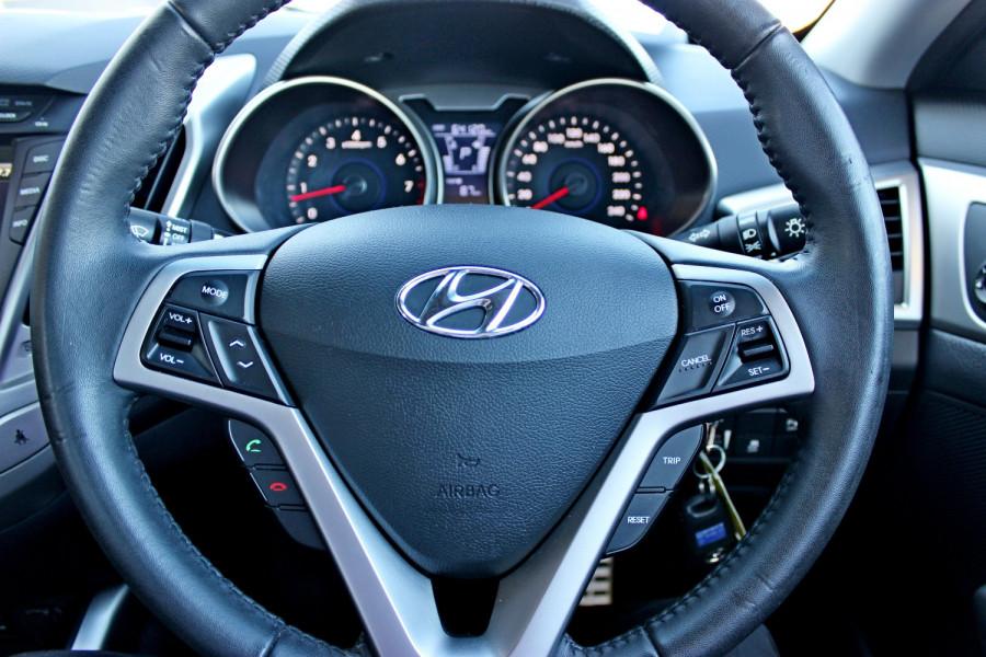 2012 Hyundai Veloster FS Hatchback Image 20