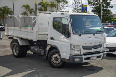 2013 Fuso Canter 715 Tipper Image 3