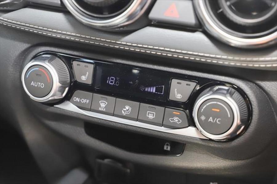 2020 Nissan JUKE F16 ST-L Hatchback Image 18