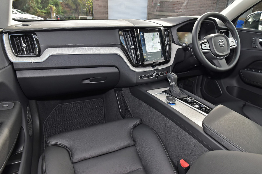 2019 Volvo XC60 UZ D4 Inscription Suv Mobile Image 8