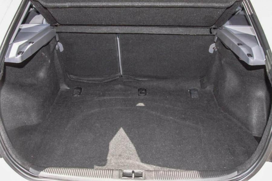 2005 Hyundai Elantra XD 05 Upgrade 2.0 HVT Hatchback Image 18