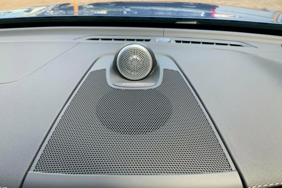 2018 MY19 Volvo XC60 246 MY19 D5 R-Design (AWD) Suv Mobile Image 18