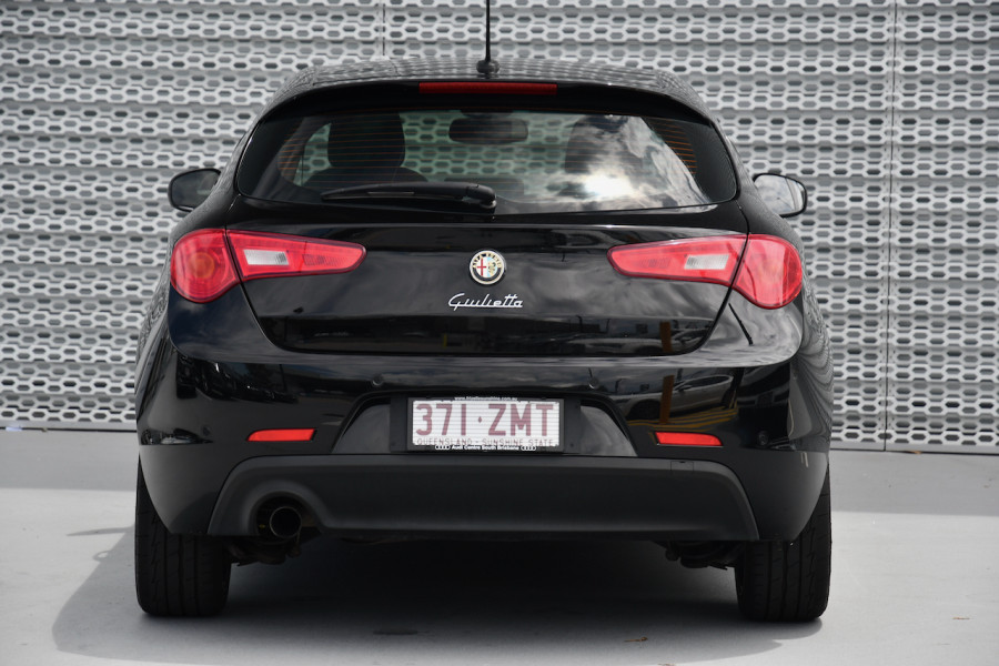 2015 Alfa Romeo Giulietta Vehicle Description.  1 Distinctive Hatch 5dr TCT 6sp 1.4T Distinctive Hatchback