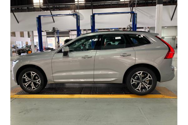 2022 Volvo XC60 B5 Momentum 2.0L T/P 183kW AWD 8A Suv Image 4