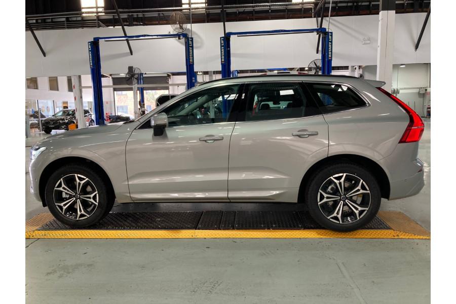 2022 Volvo XC60 B5 Momentum 2.0L T/P 183kW AWD 8A Suv