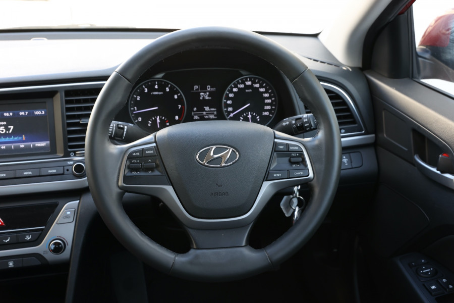2018 Hyundai Elantra AD Trophy Sedan Image 10