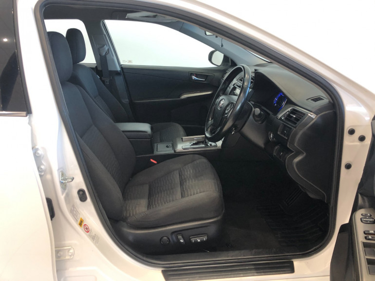 2017 Toyota Aurion GSV50R AT-X Sedan Image 10
