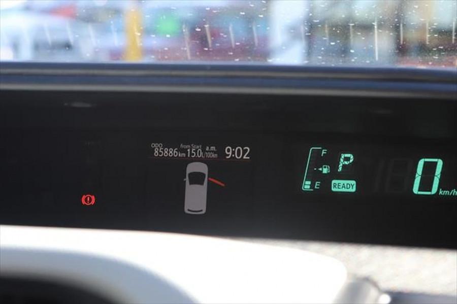 2013 Toyota Prius ZVW30R MY12 Liftback Image 13