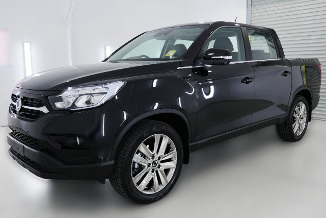 2019 SsangYong Musso Ultimate 3 of 26