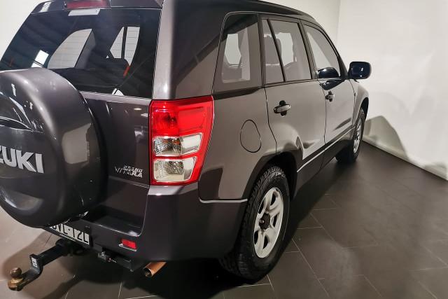 2011 Suzuki Grand Vitara JB Suv Image 3