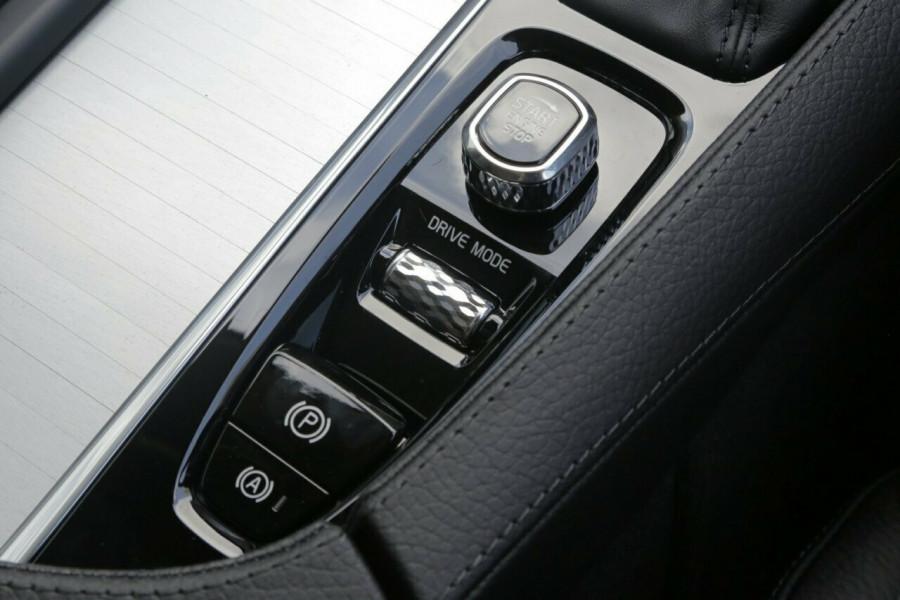 2018 MY19 Volvo XC90 L Series D5 Momentum (AWD) Suv Image 14