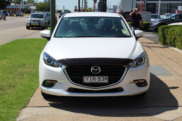 2018 Mazda 3 BN Series Touring Sedan Sedan Image 3