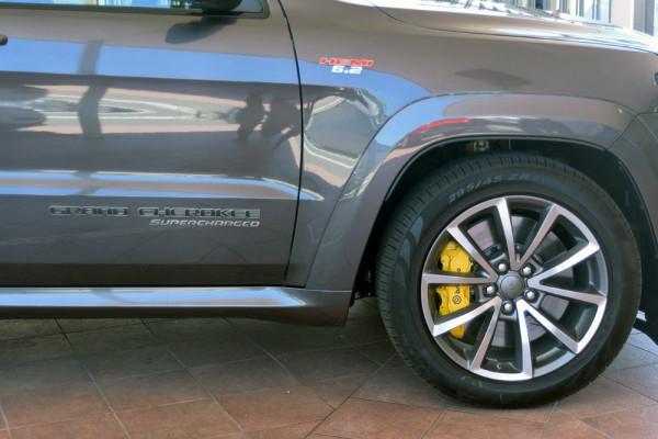 2018 Jeep Grand Cherokee Trackhawk M6 Trackhawk Wagon Image 4