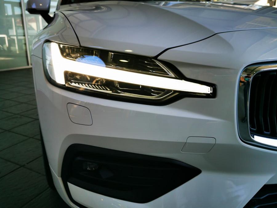 2019 Volvo V60 (No Series) MY20 T5 Momentum Wagon Image 12