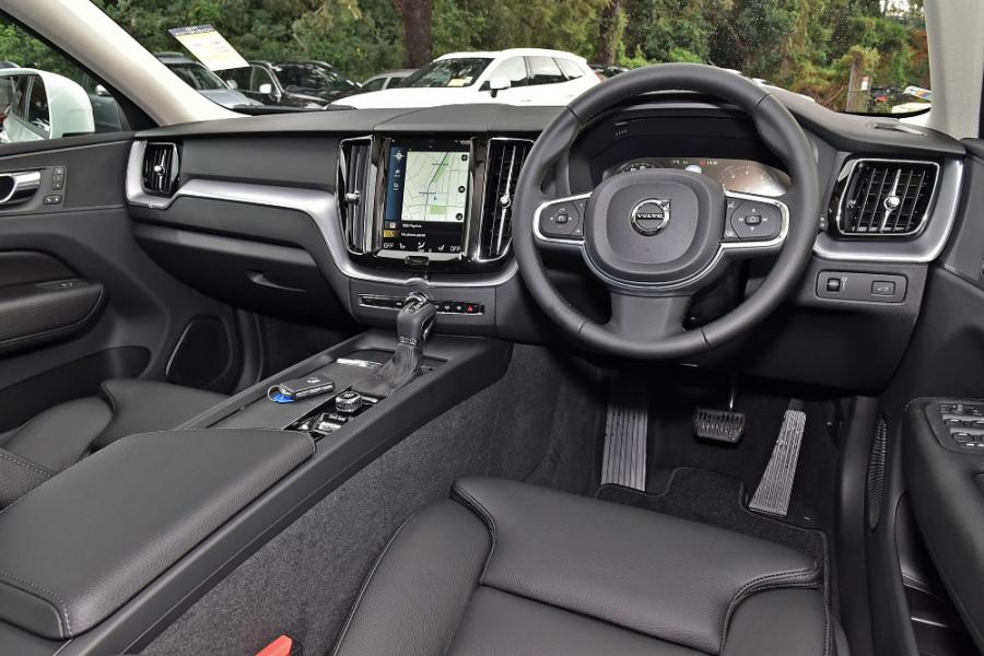 2019 Volvo XC60 UZ T5 Momentum Suv Mobile Image 7