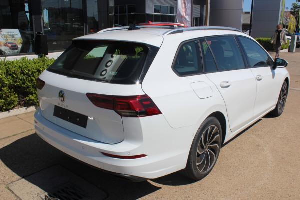 2021 Volkswagen Golf 8 110TSI Life Wagon Image 5