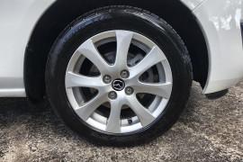 2014 Mazda 2 DE10Y2 MY14 Neo Hatch Image 2