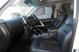 2015 Toyota Landcruiser VDJ200R VX Suv Image 4