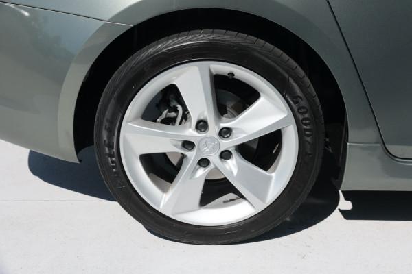 2014 Holden Cruze Vehicle Description. JH  II MY14 SRi-V Sedan 4dr M 6sp 1.6T SRi-V Sedan Image 5